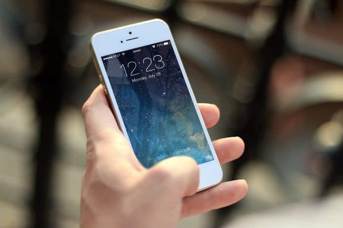 Comment espionner le téléphone portable d'une personne