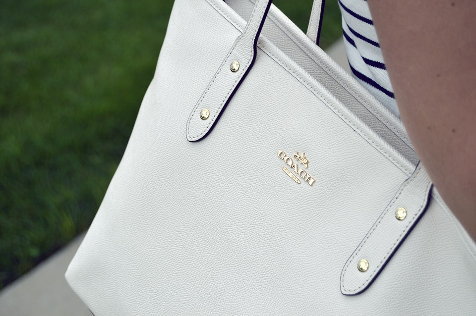 belle et charmante profiter de gros rabais regard détaillé Quelle assurance contracter pour son sac de luxe ? - PixGame