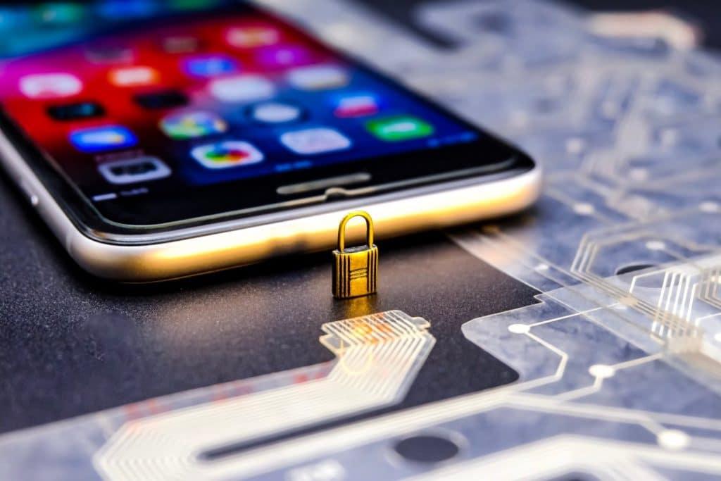 Comment savoir si on a un logiciel espion sur son téléphone ?