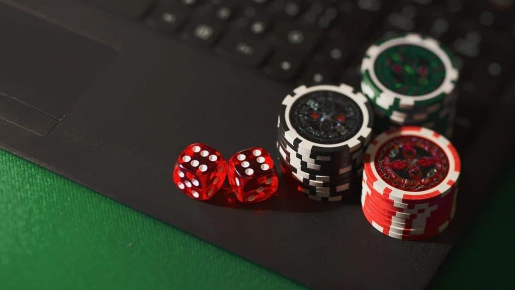 En quoi consiste le poker en ligne ?